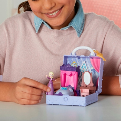 Disney Princess Frozen 2 Pop Adventures Elsa's Bedroom Pop-Up Playset